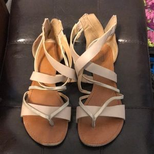 Mossimo sandals size 8